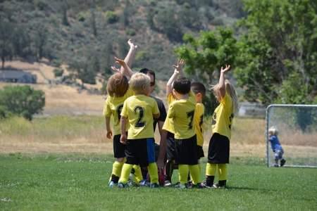 Happy Kids Team Field Game Sport
